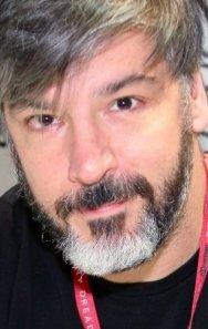 Тони Червоне