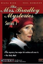 Смотреть Миссис Брэдли онлайн в HD качестве