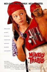 Смотреть Неприятности с обезьянкой онлайн в HD качестве